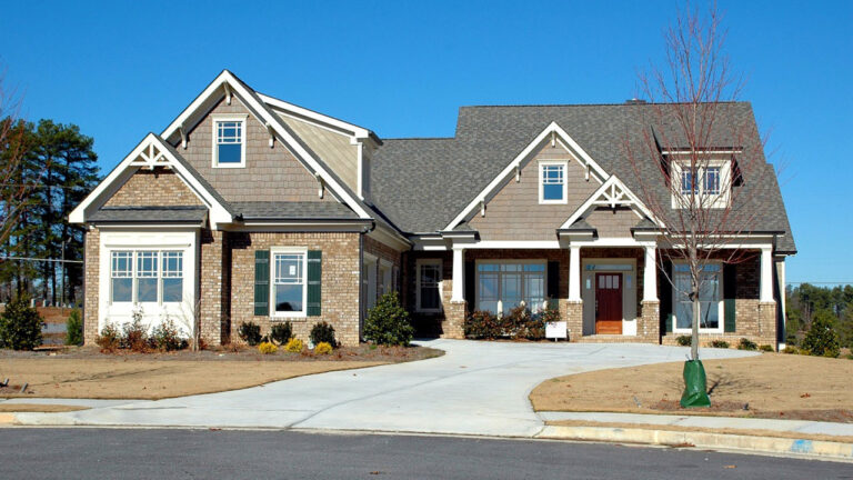 When Does an Garage Door System Need To Be Replaced
