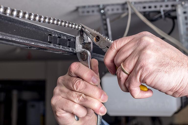 Garage Door Repairs Saskatchewan